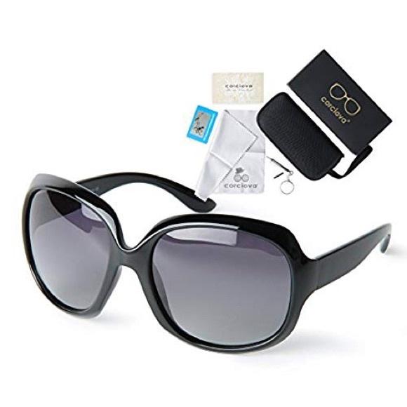 6c99367c47a NWT - Oversized Women s Polarized Sunglasses